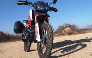 万元以内入门摩旅车款,250cc排量单缸风冷发动机续航400公里
