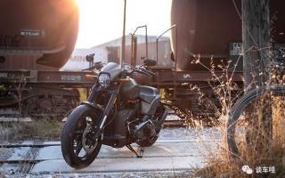 """有一种摩托车,叫做""""哈雷"""",1868cc超大排量,上演速度与激情!"""