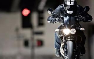 摩托车课堂:机油的奥秘,发动机小,机油寿命长?