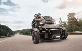 2020款Can-AM倒三轮摩托亮相,1330cc排量三缸动力,115马力