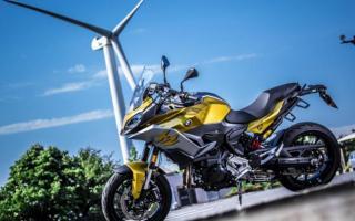 主打运动性能的拉力摩托 宝马F900XR车型解析