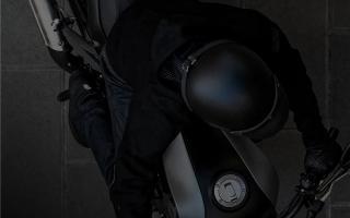 粉色萌新 贝纳利2020款Leoncino 250