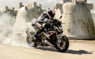 德意志街头悍将 BMW 2021款「S1000R」改款登场