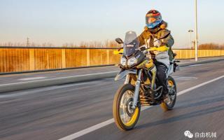 骑着无极300GY跨新年,200公里高速体验反馈丨长测