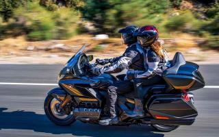 更豪华更舒适的休旅摩托,本田2021款金翼,六缸动力配置升级