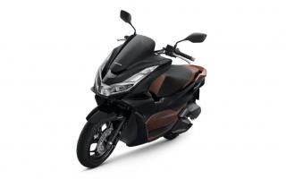 2021款本田PCX160,可选ABS、混合动力版本