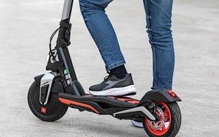 都市移动新方案!阿普利亚 Aprilia「eSR1」电动滑板车