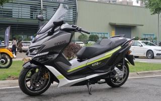 电动时代来临!赛科龙RT3电动版亮相:博世双通道ABS,售价3.98万