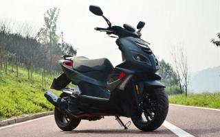 售价1.55万,还没有ABS防抱死,标致SF4运动踏板车为什么这么贵?