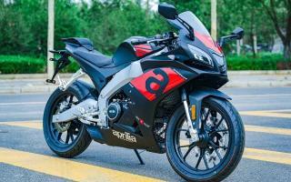 售价2.68万,解读阿普利亚GPR250R:纯正赛道风格,动力强劲