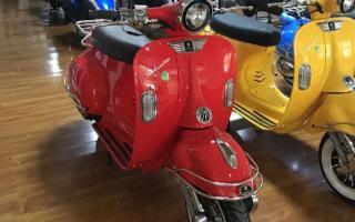 售价8980元,实拍古斯特复古踏板车:维斯帕外观,只可惜油箱太小