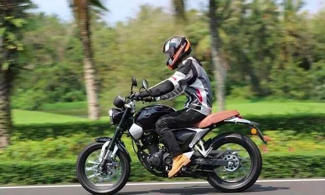 又一合资高颜值复古街车,标配ABS系统,17升油箱,续航500公里!-第1张图片-春风行摩托车之家
