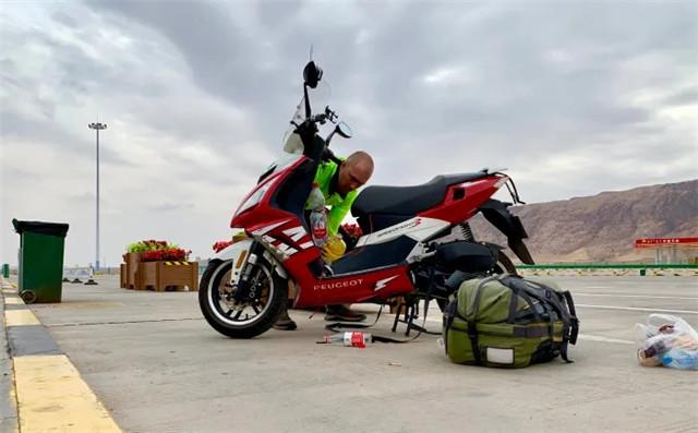 标致摩托全球之旅:老将辉煌,新星闪耀-第11张图片-春风行摩托车之家