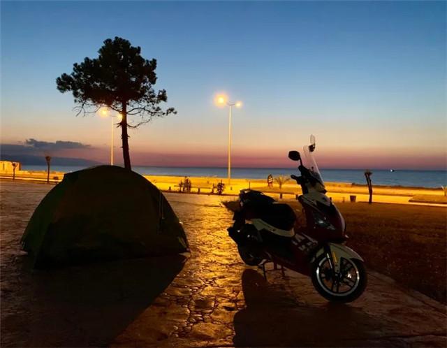 标致摩托全球之旅:老将辉煌,新星闪耀-第15张图片-春风行摩托车之家