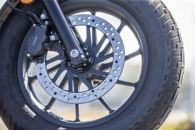新车提前看:本田Rebel 500下月上市 车型解读先睹为快-第13张图片-春风行摩托车之家