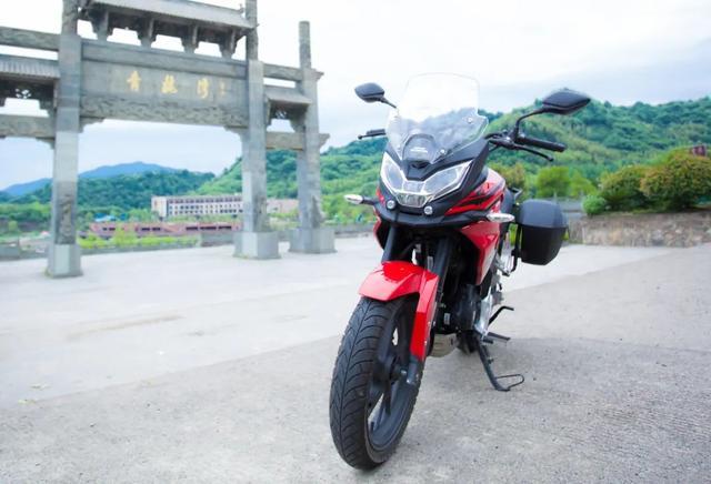 雨中穿黄山—CBF190X 1200公里摩游记2-第2张图片-春风行摩托车之家