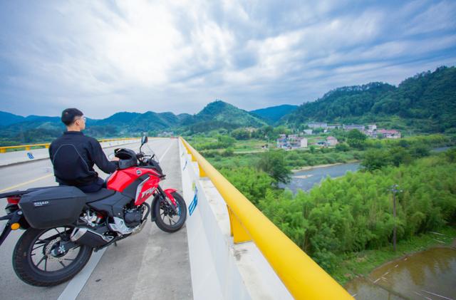雨中穿黄山—CBF190X 1200公里摩游记2-第11张图片-春风行摩托车之家