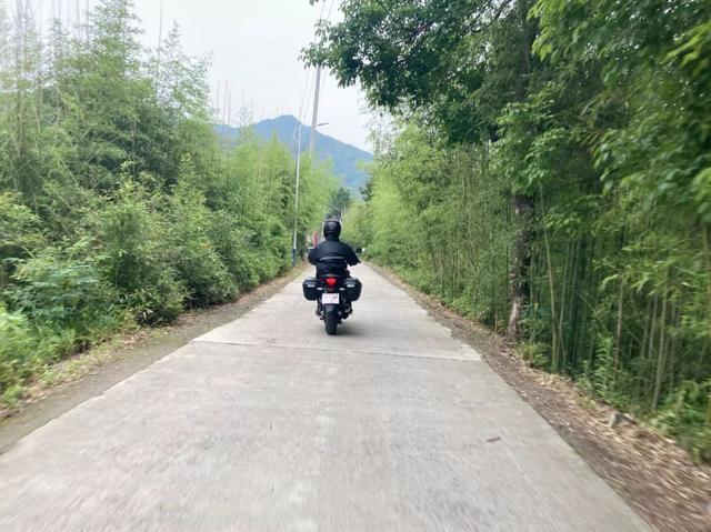 雨中穿黄山—CBF190X 1200公里摩游记2-第15张图片-春风行摩托车之家