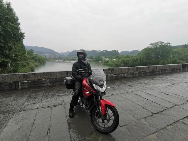 雨中穿黄山—CBF190X 1200公里摩游记2-第14张图片-春风行摩托车之家