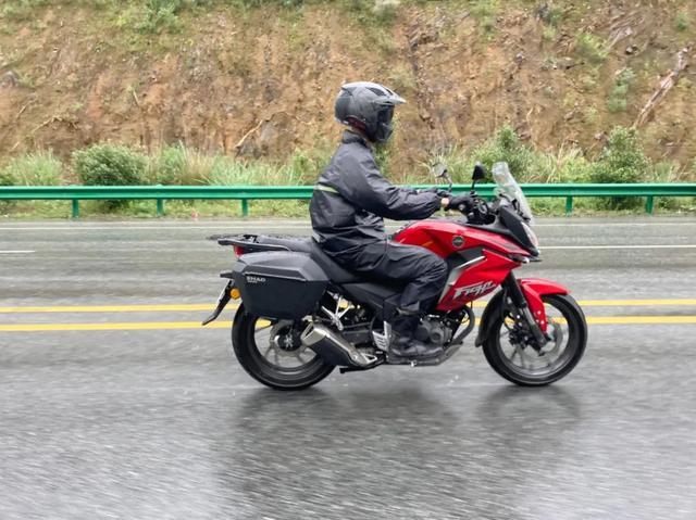 雨中穿黄山—CBF190X 1200公里摩游记2-第21张图片-春风行摩托车之家