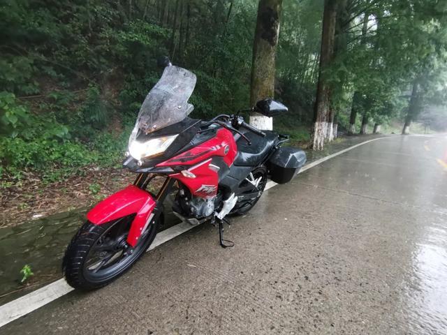 雨中穿黄山—CBF190X 1200公里摩游记2-第28张图片-春风行摩托车之家