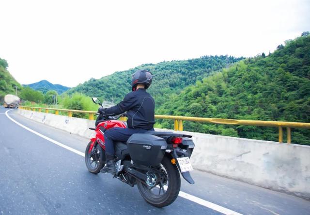 雨中穿黄山—CBF190X 1200公里摩游记2-第29张图片-春风行摩托车之家