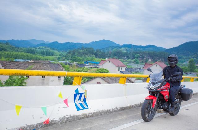 雨中穿黄山—CBF190X 1200公里摩游记2-第32张图片-春风行摩托车之家