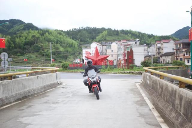 白际天路云中行—CBF190X 1200公里摩游记3-第23张图片-春风行摩托车之家