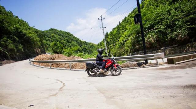 畅游井空里大峡谷—CBF190X 1200公里摩游记4-第19张图片-春风行摩托车之家