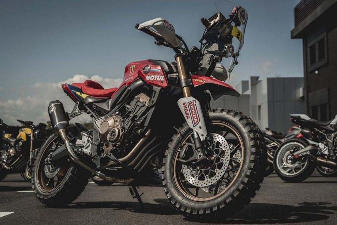 致敬达卡拉力赛!HONDA「CB650R」改装款-第10张图片-春风行摩托车之家