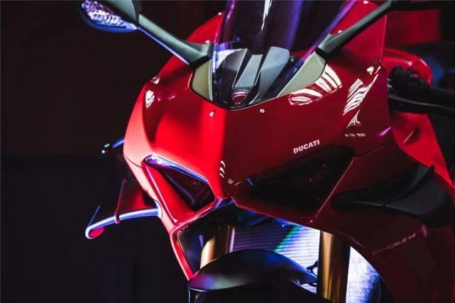23.8万元起!全新杜卡迪Panigale V4国内发布!-第4张图片-春风行摩托车之家