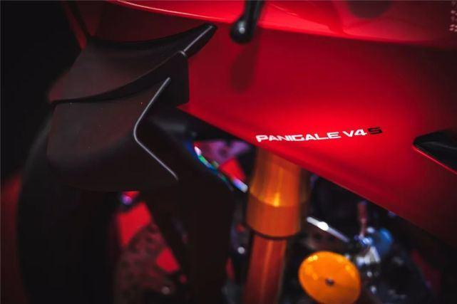 23.8万元起!全新杜卡迪Panigale V4国内发布!-第8张图片-春风行摩托车之家