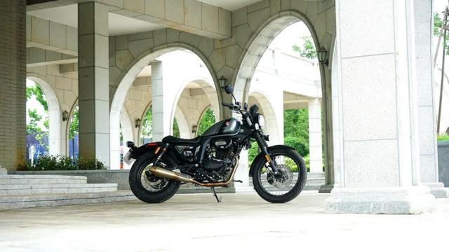 年轻又帅气、复古巡航—1.38万赛科龙RA2 静态测评-第1张图片-春风行摩托车之家