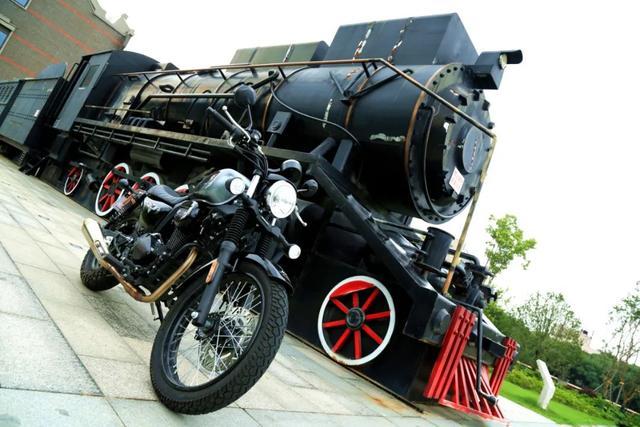 年轻又帅气、复古巡航—1.38万赛科龙RA2 静态测评-第25张图片-春风行摩托车之家