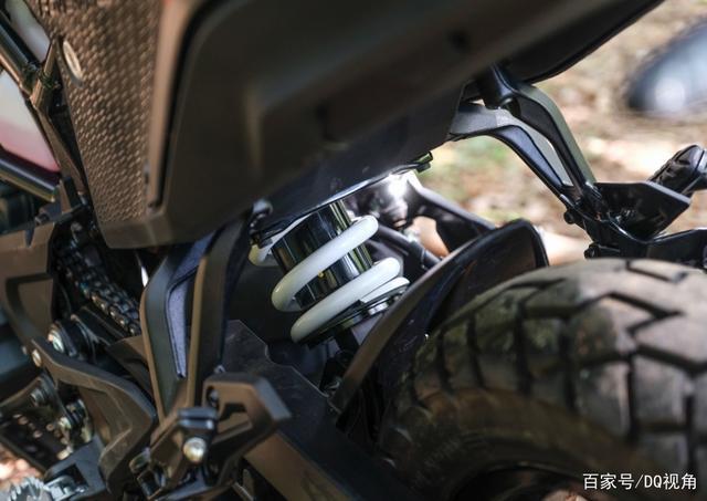 入门排量的神级ADV摩托,158kg车重44马力,KTM390adv详解-第5张图片-春风行摩托车之家