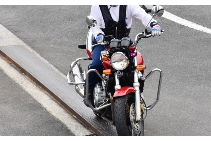 直线平衡技巧是一切骑行的基础-第1张图片-春风行摩托车之家