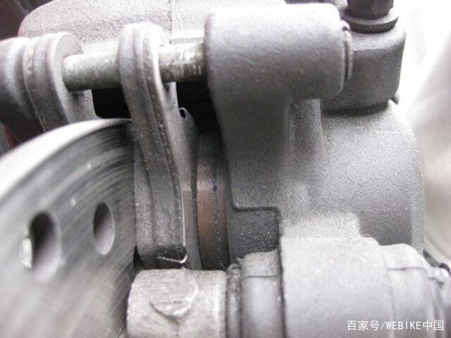 使用特殊涂层的摩托车卡钳活塞来提高刹车手感-第4张图片-春风行摩托车之家