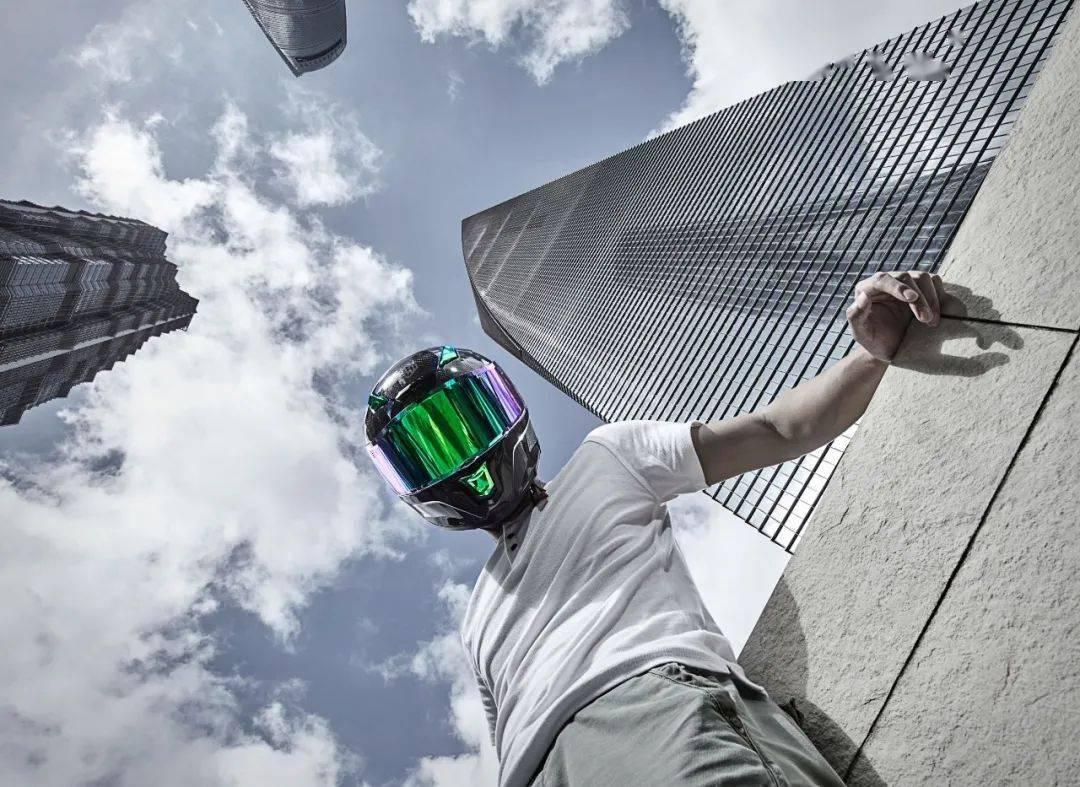 """如果让你头上顶着""""闪电""""骑车会不会很酷?这道""""闪电""""头盔不足3000元就可以买到-第23张图片-春风行摩托车之家"""