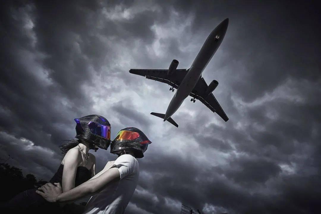 """如果让你头上顶着""""闪电""""骑车会不会很酷?这道""""闪电""""头盔不足3000元就可以买到-第24张图片-春风行摩托车之家"""
