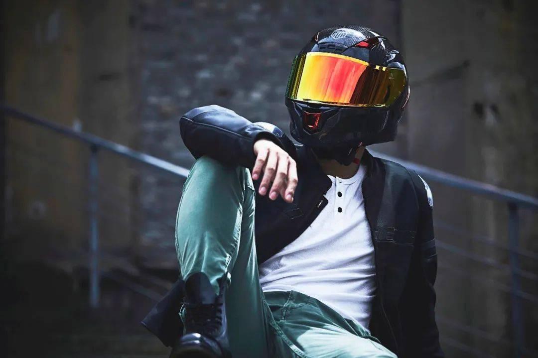 """如果让你头上顶着""""闪电""""骑车会不会很酷?这道""""闪电""""头盔不足3000元就可以买到-第20张图片-春风行摩托车之家"""