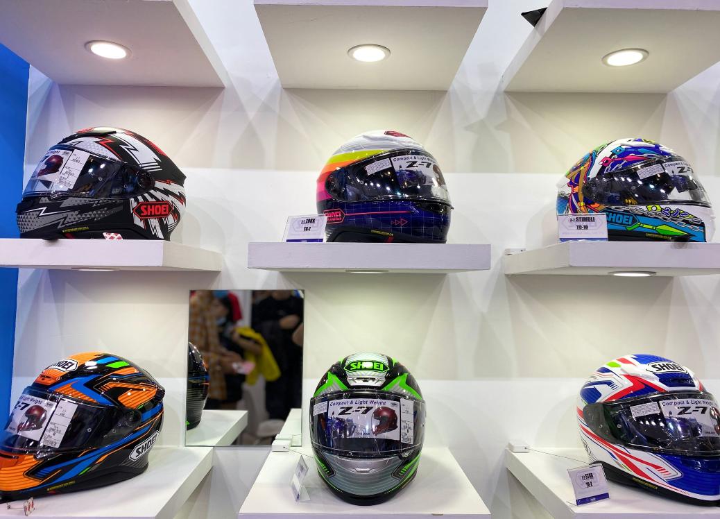 SHOEI摩博会发布两款新花色头盔,马奎斯亲笔签名免费送!-第4张图片-春风行摩托车之家