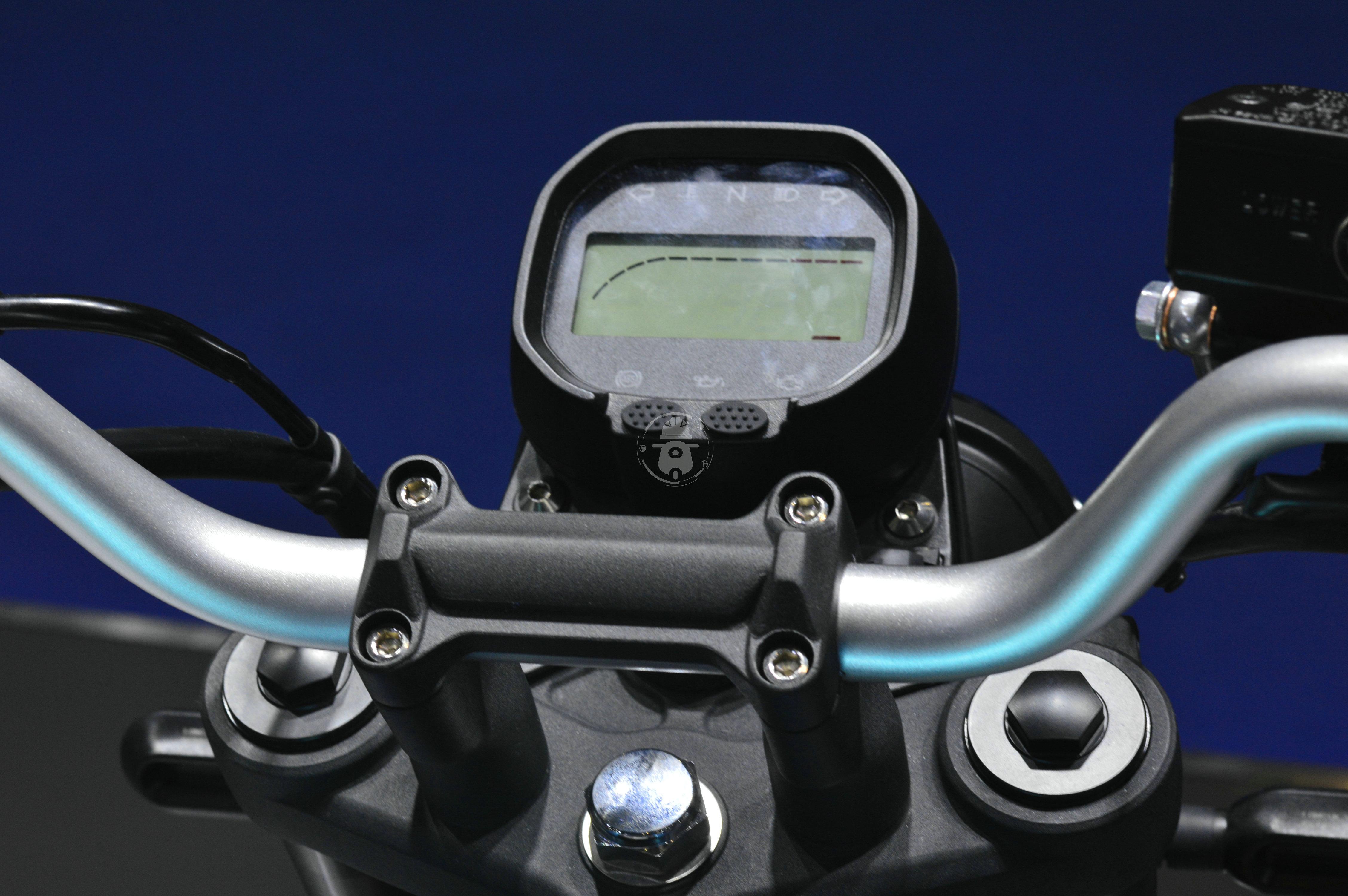 无极300AC改款 更时尚精致 动力略有提升-第8张图片-春风行摩托车之家
