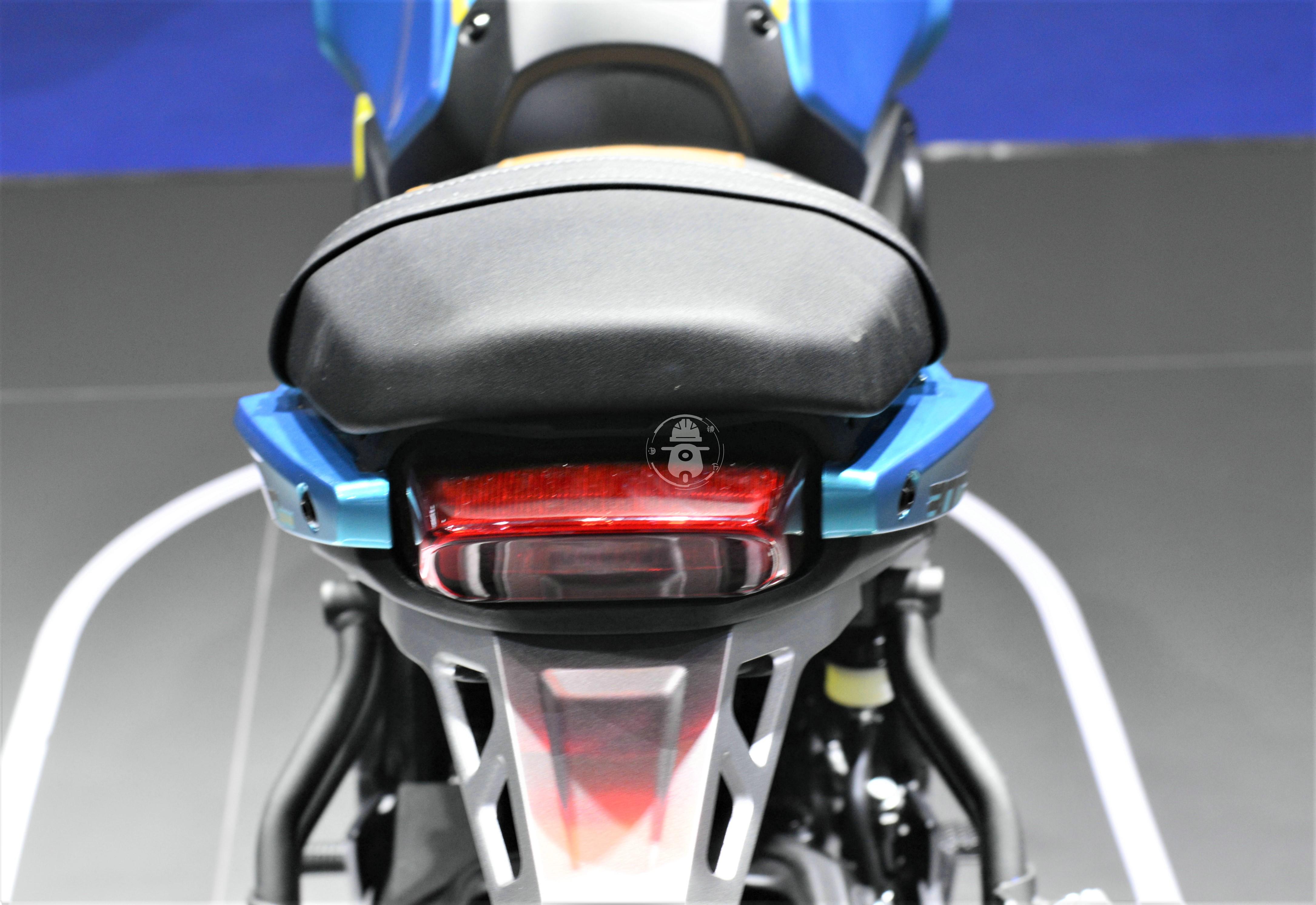 无极300AC改款 更时尚精致 动力略有提升-第6张图片-春风行摩托车之家