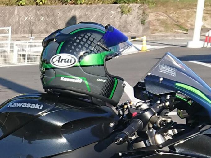 【热议】安全第一道防线!该选择Arai还是SHOEI?-第4张图片-春风行摩托车之家