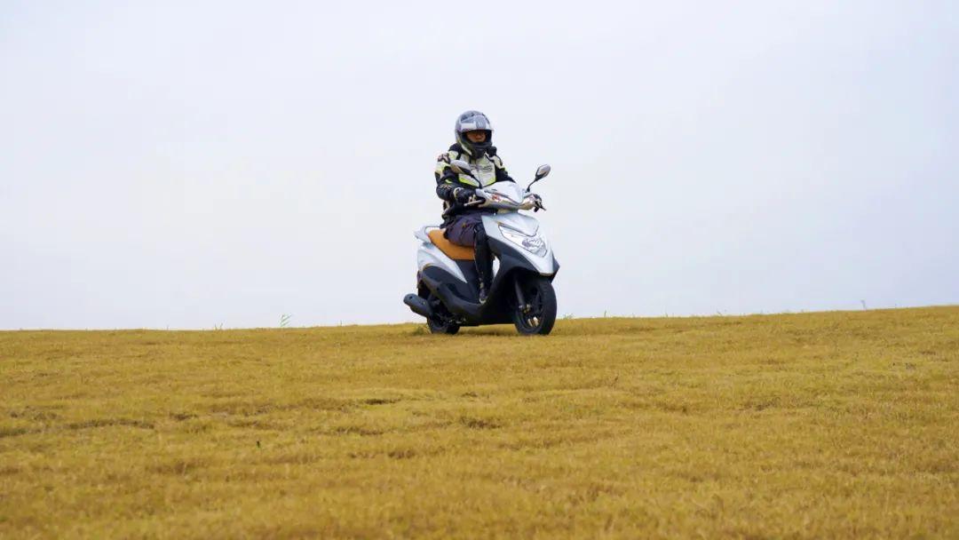 新大洲本田NS125T动态测评: 新款U 却只要NS的价格 时尚通勤小踏板-第13张图片-春风行摩托车之家