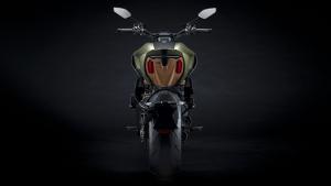 恶魔与狂牛的限量恋曲!「DIAVEL 1260 LAMBORGHINI」-第20张图片-春风行摩托车之家