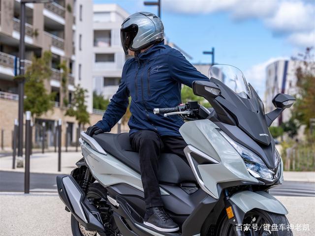 FORZA 350台湾上市,折合rmb约6.18w,内地售价预计和CB500F相仿-第10张图片-春风行摩托车之家