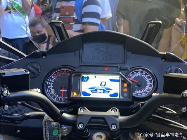 首款国产民用公升级摩托车即将上市,贝纳利BJ1200GT进入公示期-第8张图片-春风行摩托车之家