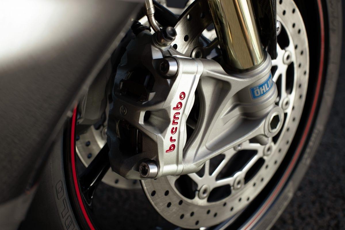 TRIUMPH Daytona Moto2 765正式引进!售价160万年底前挂牌,Street Triple R新年式53.8万同步导入!-第6张图片-春风行摩托车之家
