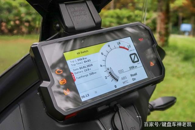 迟迟没来国内的KTM 390 ADV,又在新的海外市场上市,售价约4.96w-第7张图片-春风行摩托车之家